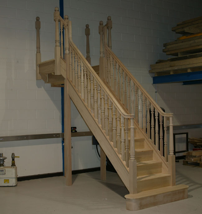 Parana Pine T-shaped Staircase